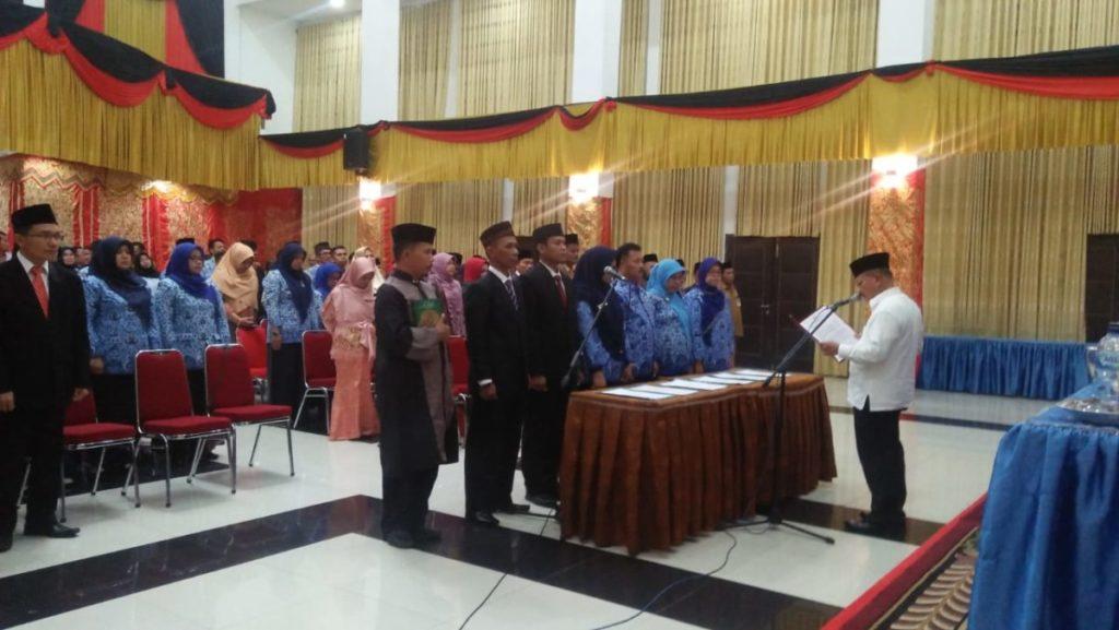 Bupati Padang Pariaman Ali Mukhlis Lantik Pejabat Eselon II III dan IV
