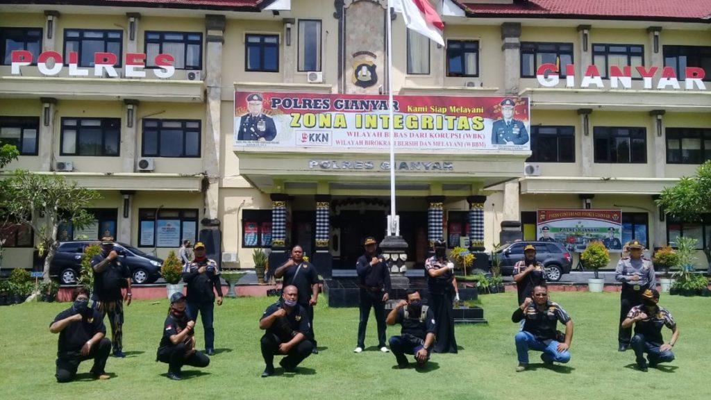 DPW Pekat IB Bali Peduli Dampak Covit-19 Bersinergi Bersama Polri (3)
