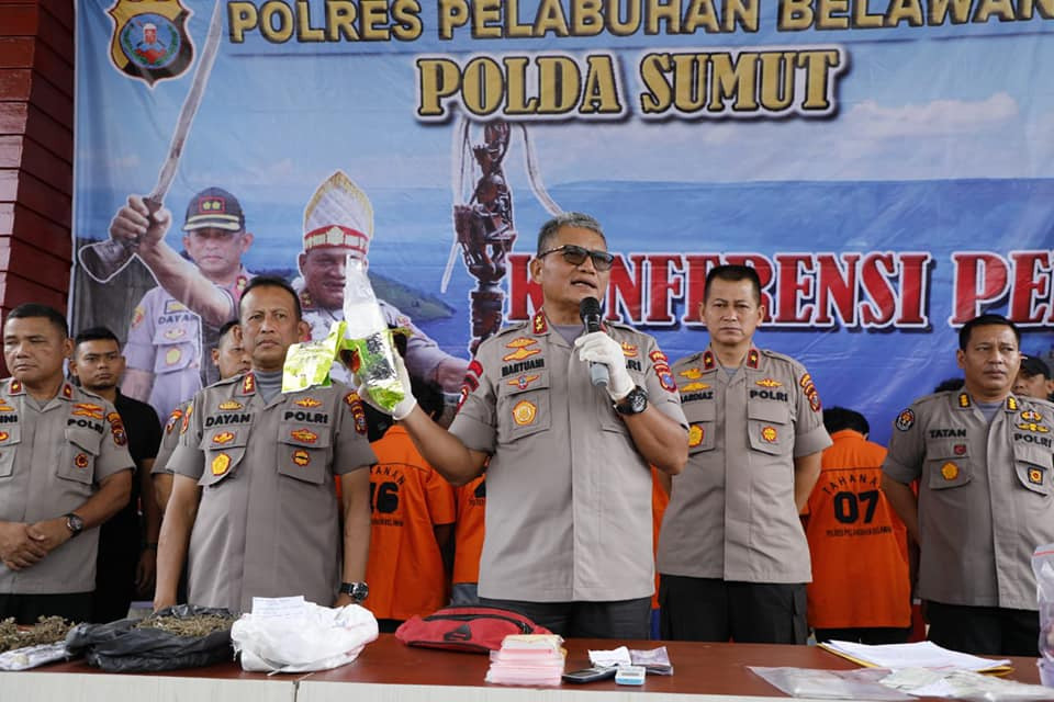 Kapolda Dan Wakapolda Sumut Press Rilis Keberhasilan Polres Belawan Ungkap Kasus (5)