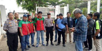 Kapolsek Batu Ceper Kompol Wahyudi. SH pimpin apel kesiap-siagaan dalan kegiatan Pengamanan aksi kaum Serikat Buruh yang akan berangkat ke Gedung DPR RI Jakarta.