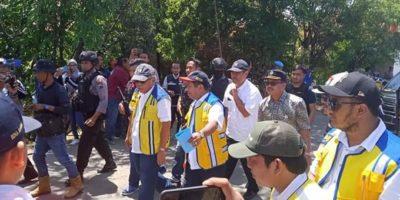 Menteri Pekerjaan Umum Dan Perumahan Rakyat Tinjau Korban Banjir Di Brebes