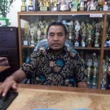 Ketua Persatuan Guru Republik Indonesia (PGRI) Malut Ramli Kamaluddin, S.Pd, M,Si.